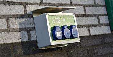 Oplaadpunt elektrische fietsen tankstation dinteloord
